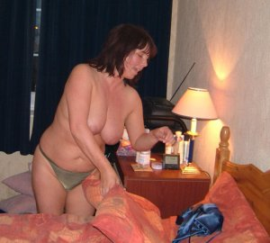 Delfina billig escort in Wedemark